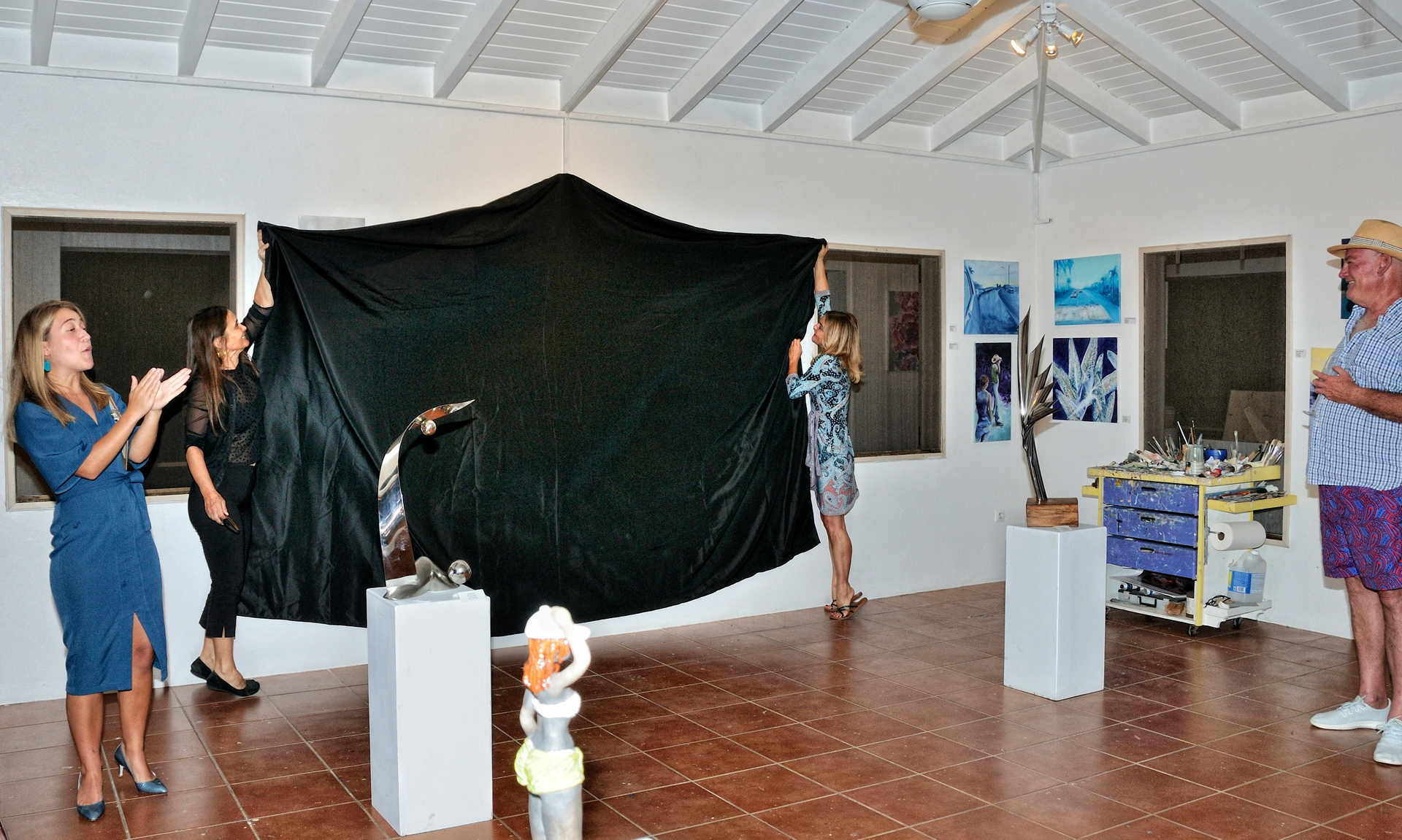Unveiling artworks
