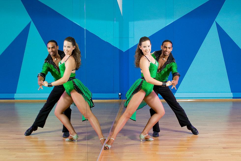 salsa-kurse-tänzer-paar.jpg