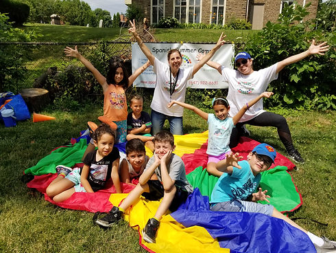 Kids outside celebrate at Summer camp Spanish4you