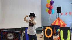 Kid Magic trick at Summer camp Spanish4you