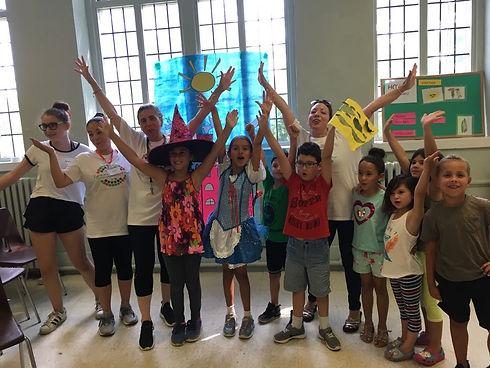 Kids celebrate at PA camp Spanish4you