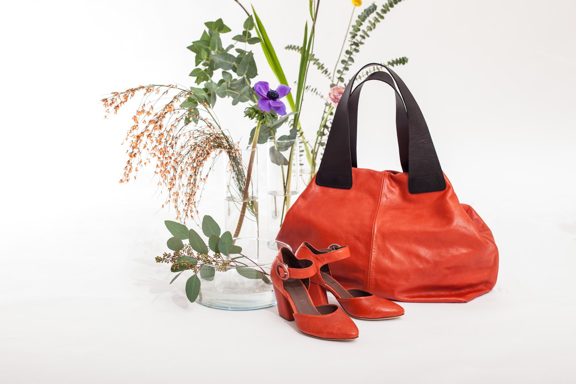 6806 scarpa in pelle con tacco e cinturino e LAMA borsa in pelle