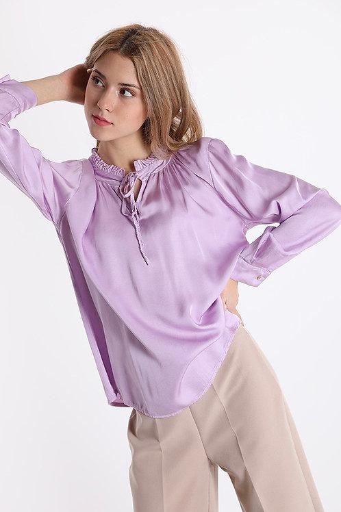 Blusa in raso di seta con laccio