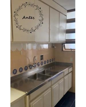 Antes | Cozinha de apartamento antigo alugado