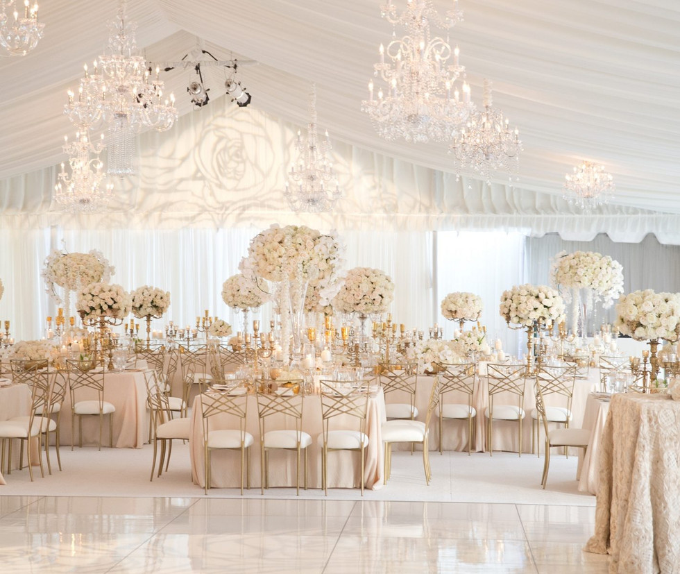 modern-white-wedding-decorations-with-we