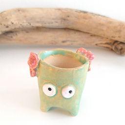 miniature ceramic plant pot _8437.JPG