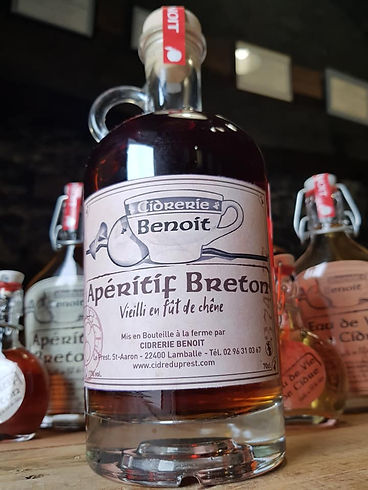 Alcool fort apéritif breton vieilli fût chêne cidrerie benoit artisanale bretagne