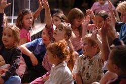 Kids praising God