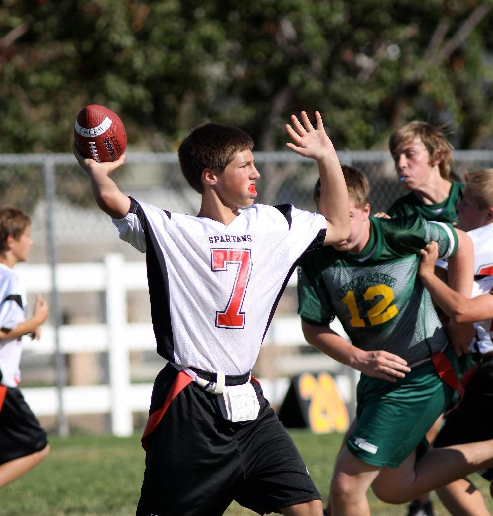 Salem Football quarterbacking_edited
