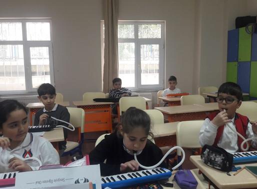 Müzik dersi etkinliklerimiz...