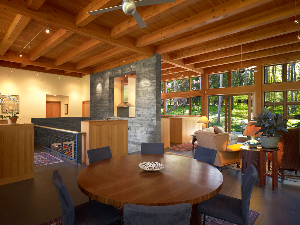 Ithaca Residence - Dining & Living Room