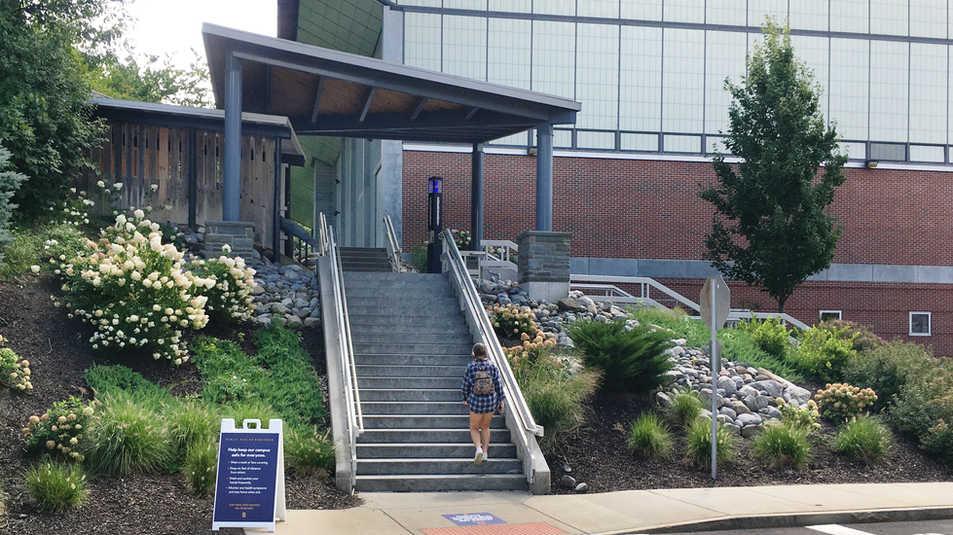 Syracuse University, Sims Drive Landscape