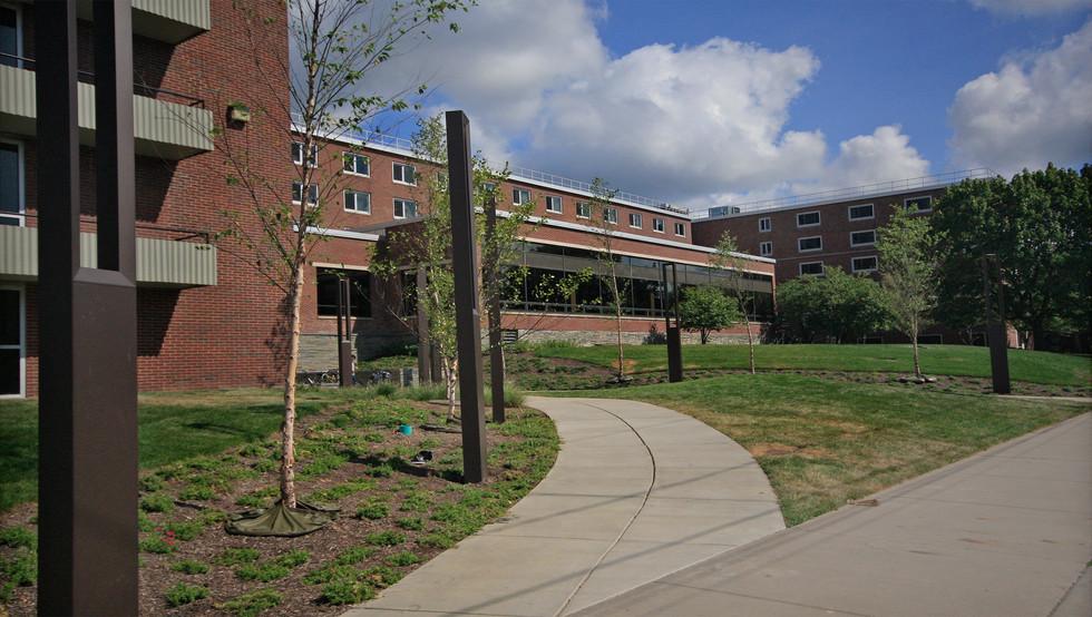 SU Shaw Hall - Exterior Entrancee