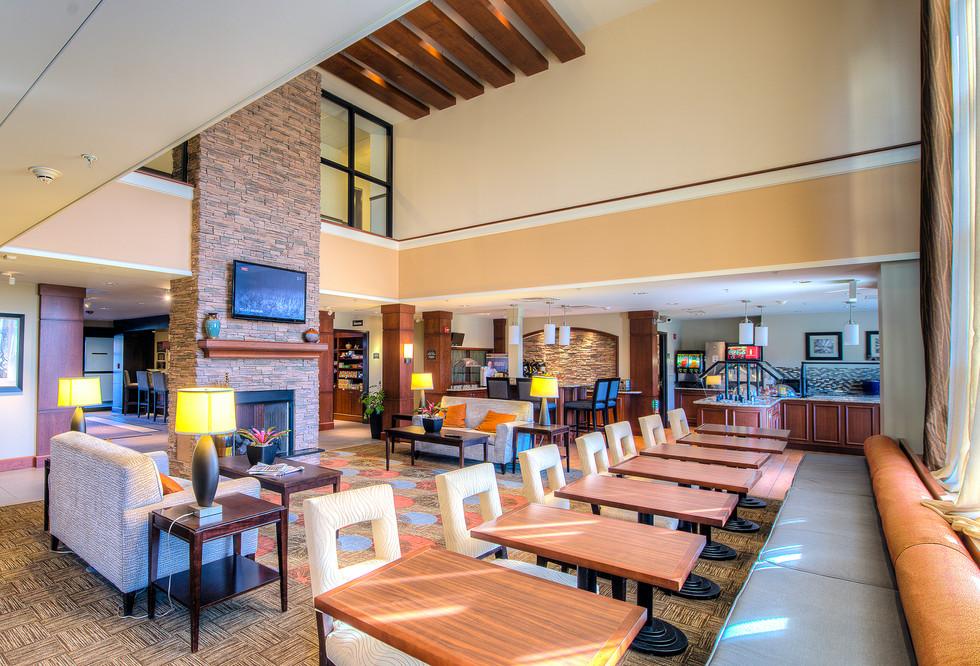 Staybridge Suites - Lobby