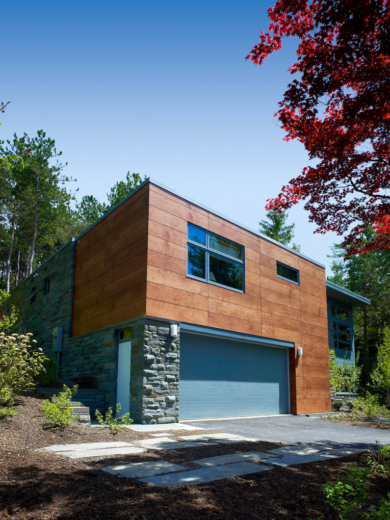 Ithaca Residence - View towards Garage