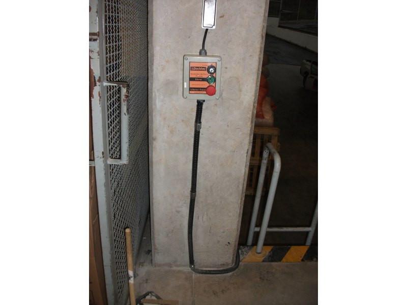 Nivelador de doca frontal eletro-hidraulico