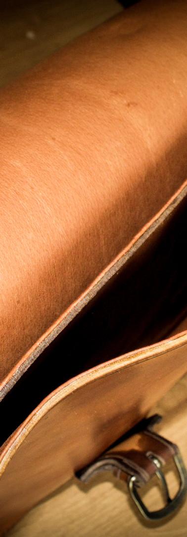 Laptop Bag: Interior Divider