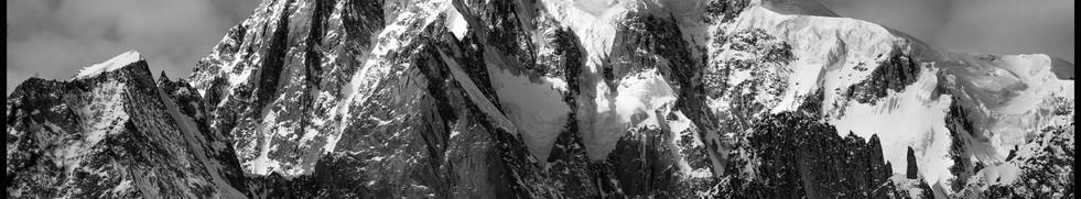 Poster 1 Monte Bianco inverno B-N.jpg