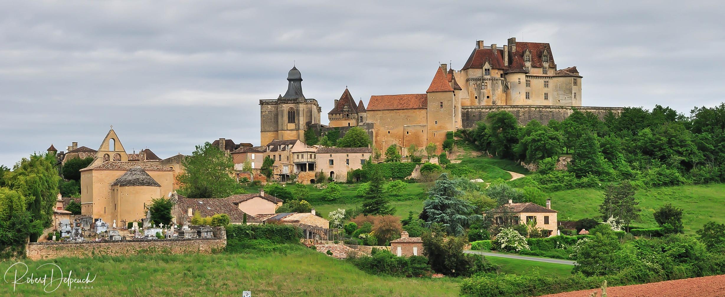 Village et château de Biron