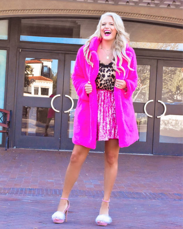 #PINKWEDNESDAY - SEQUINS & FAUX FUR
