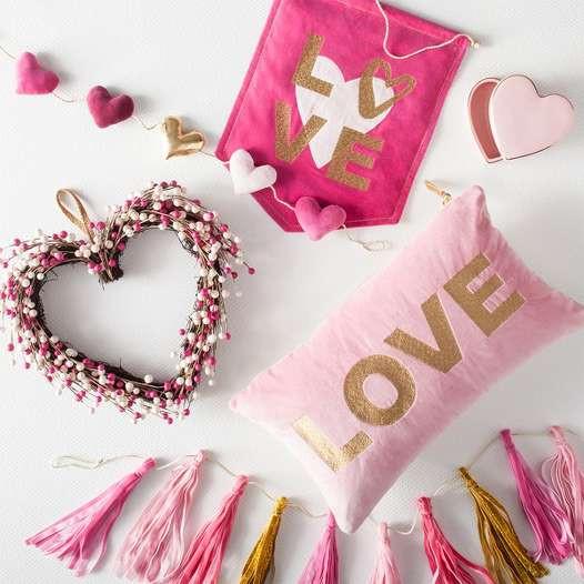 Valentine's Day / Galentine's Day + Date Ideas!