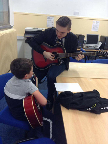 Our one to one guitar classes are popular for a reason!