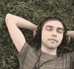 headphones are better when listening online