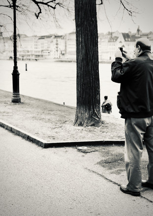 catching memories without knowing why to remember