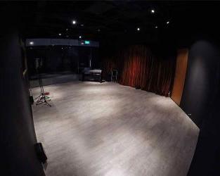 studio-banner-1.jpg