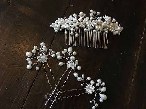 Belle comb and pins