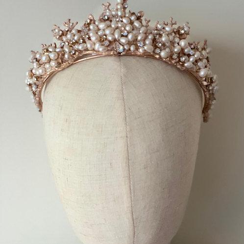 Wanda (rose gold and pearl)