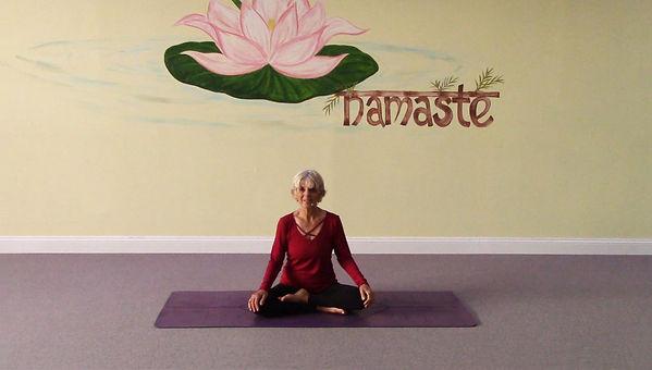 Loving Light Yoga Video Description - Mindful Yoga Flow for Flexibility