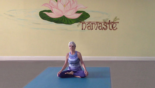 Loving Light Yoga Video Description - Good Morning Yoga (3/2020)