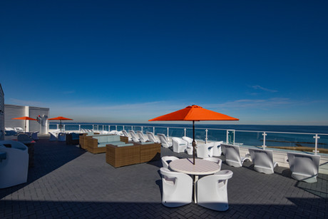 Panoramic views of the Chesapeake Bay from the rooftop