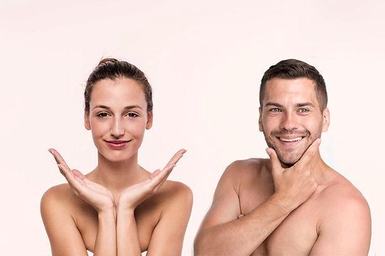 mujer-bonita-hombros-desnudos-sobre-fond