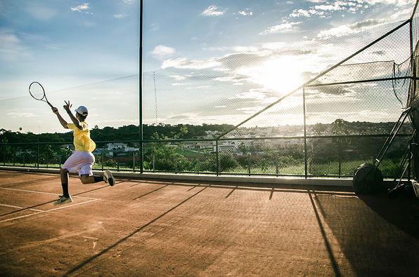 tennis, kledij, tennisracket, tennisballen, polo's tennisschoenen
