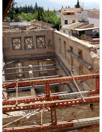 Rehabilitacion de antiguo hospital militar en Granada