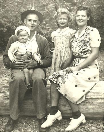 Bert Topliffe & Family 1940s.jpg