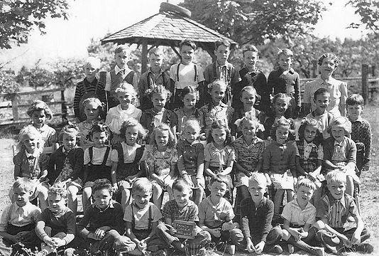 1947 Div 2.jpg