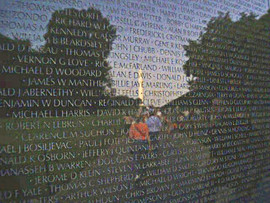 Washington Monument in Nam Wall