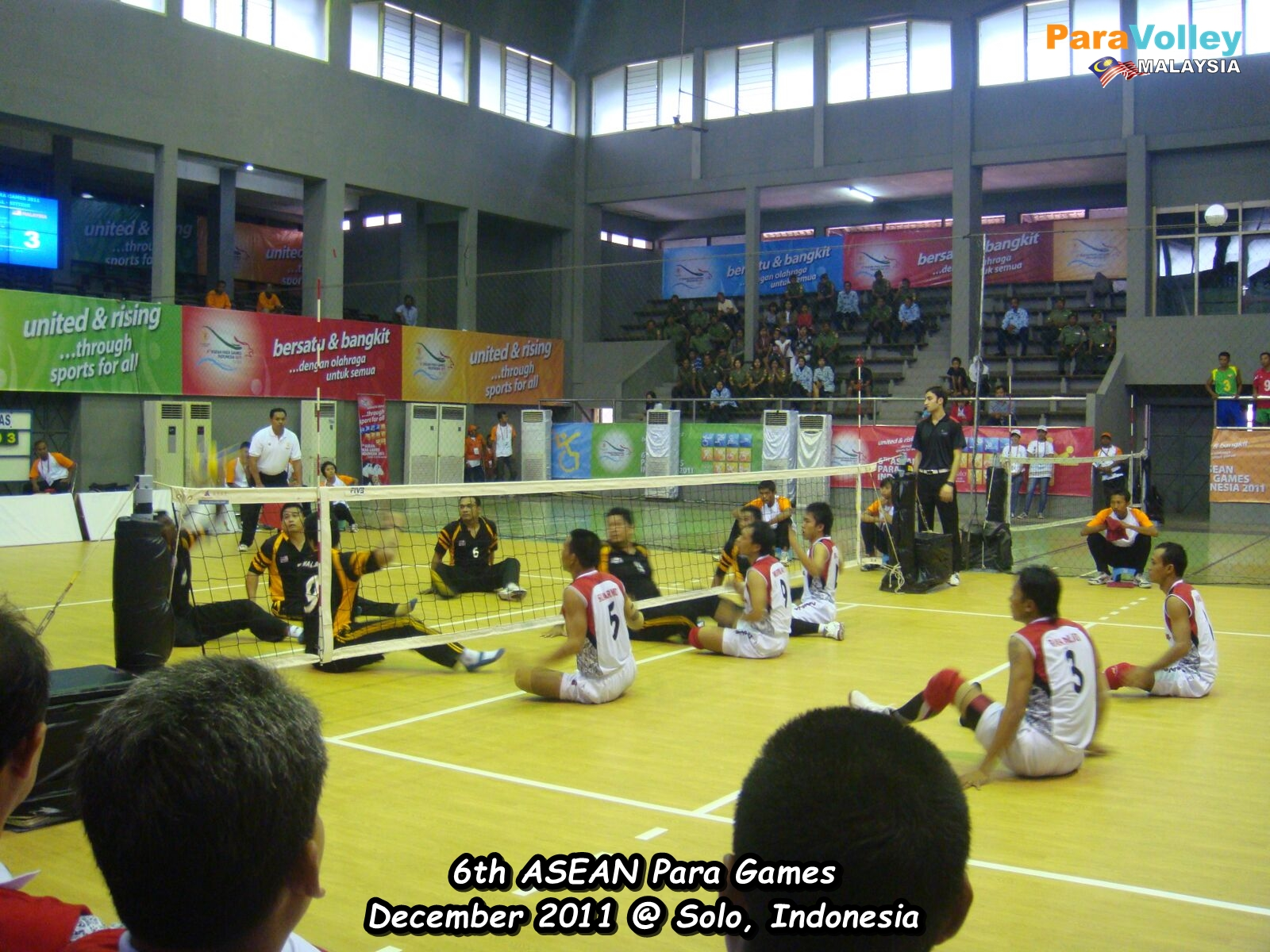 Men teams on the court