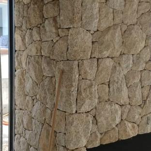 "Pedra Moledo ""Tipo"" Guarujá Cantos Perfeitos"