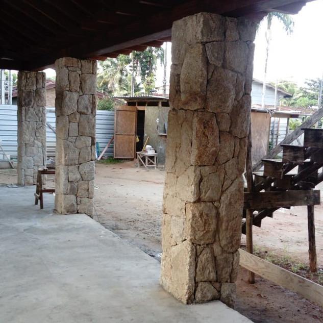 "Pedra Moledo ""Tipo"" Guarujá"