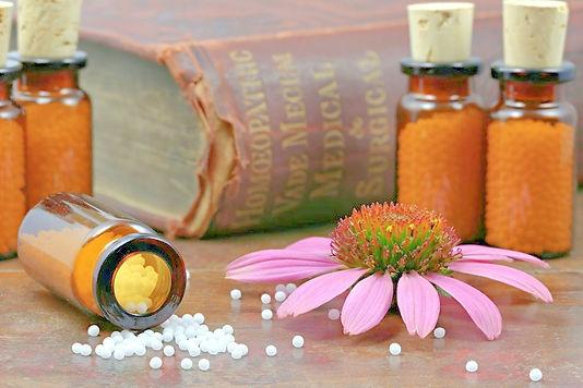 Homeopat%25C3%25ADa_edited_edited.jpg
