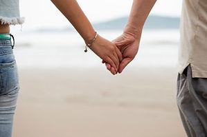 manos-pareja.4.jpg