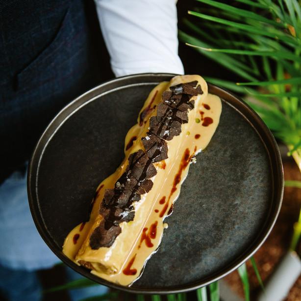 Canelón XL con salsa de foie