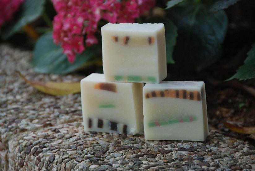 美白潤膚橄欖皂