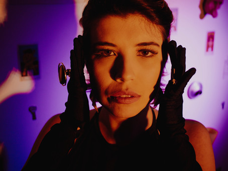 "Amanda Gabana weaves post punk and pop together on the surrealist joy of ""Nós""."