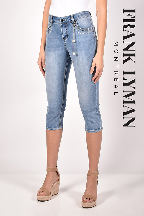 Frank Lyman Light Blue Capri Jeans Style 211133U
