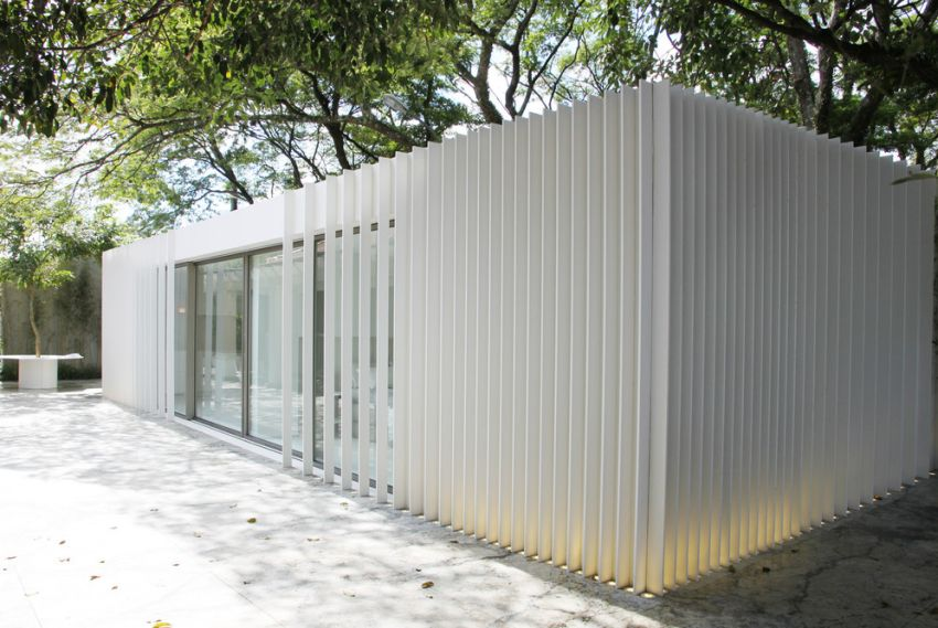 whitw container house brise